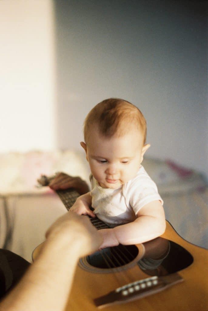 Jeux et activités Montessori pour un bébé de 6 mois à 1 an 6
